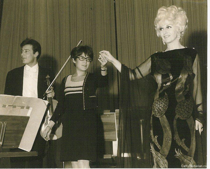 Cathy and Tona Scherchen